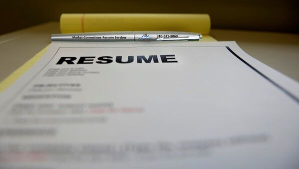 What does a resume writer do, explained by https://www.market-connections.net